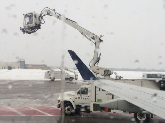 Delta airlines de-icing truck