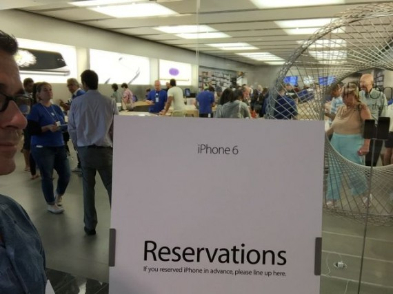 iPhone 6 online reservations line at Apple Store