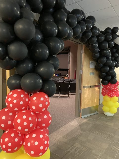 Mickey Mouse balloon creation