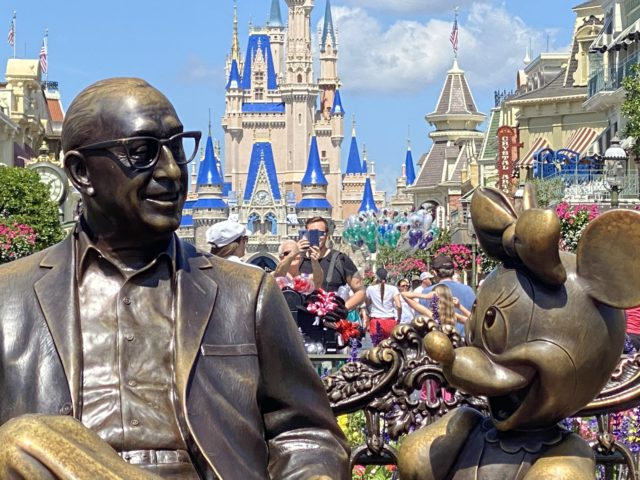 Roy O Disney statue at Magic Kingdom