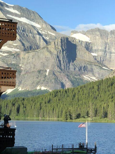 Mountain Hotel on Lake